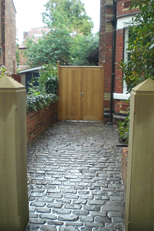 Split Level Garden Manchester - Black Granite Paving (Outdoor Living Areas in Cheshire, South Manchester & Wirral)