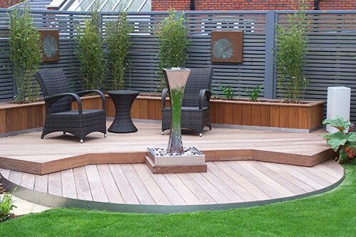 Contemporary Garden Chester - Stainless Steel Water Feature