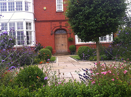 Grade II Listed Rectory – Handbridge - Country Garden Planting