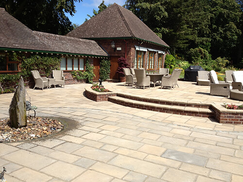 Large Garden - Dee Estuary - Westminster Stone Reconstituted Paving