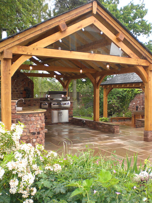 Large Private Garden - Outdoor Wood Fired Oven