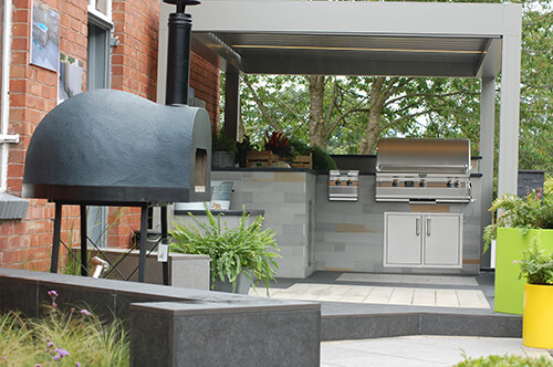 Outdoor Kitchen - Complete