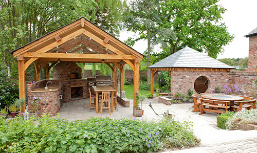 Outdoor Kitchen - Seating Area