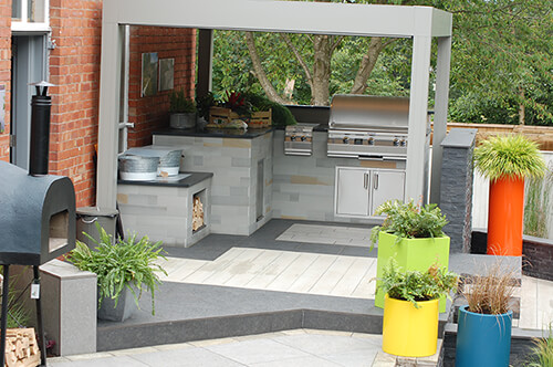 Outdoor Living - Kitchen