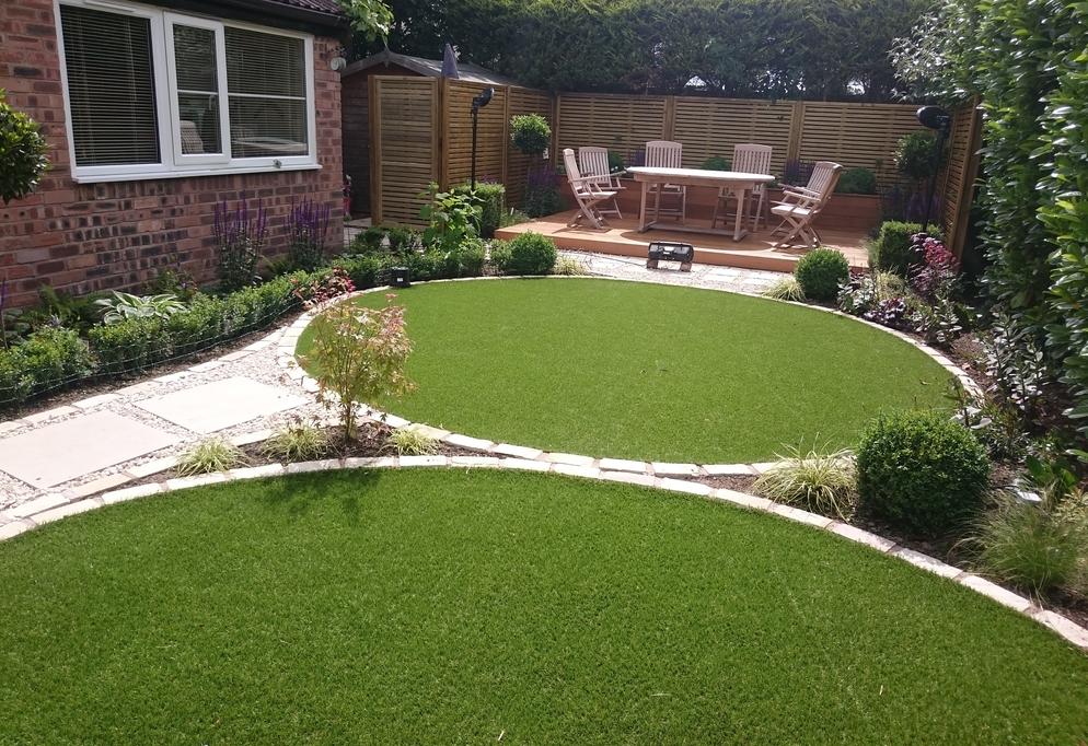 Small Private Garden Refurbished - Round Grass Design