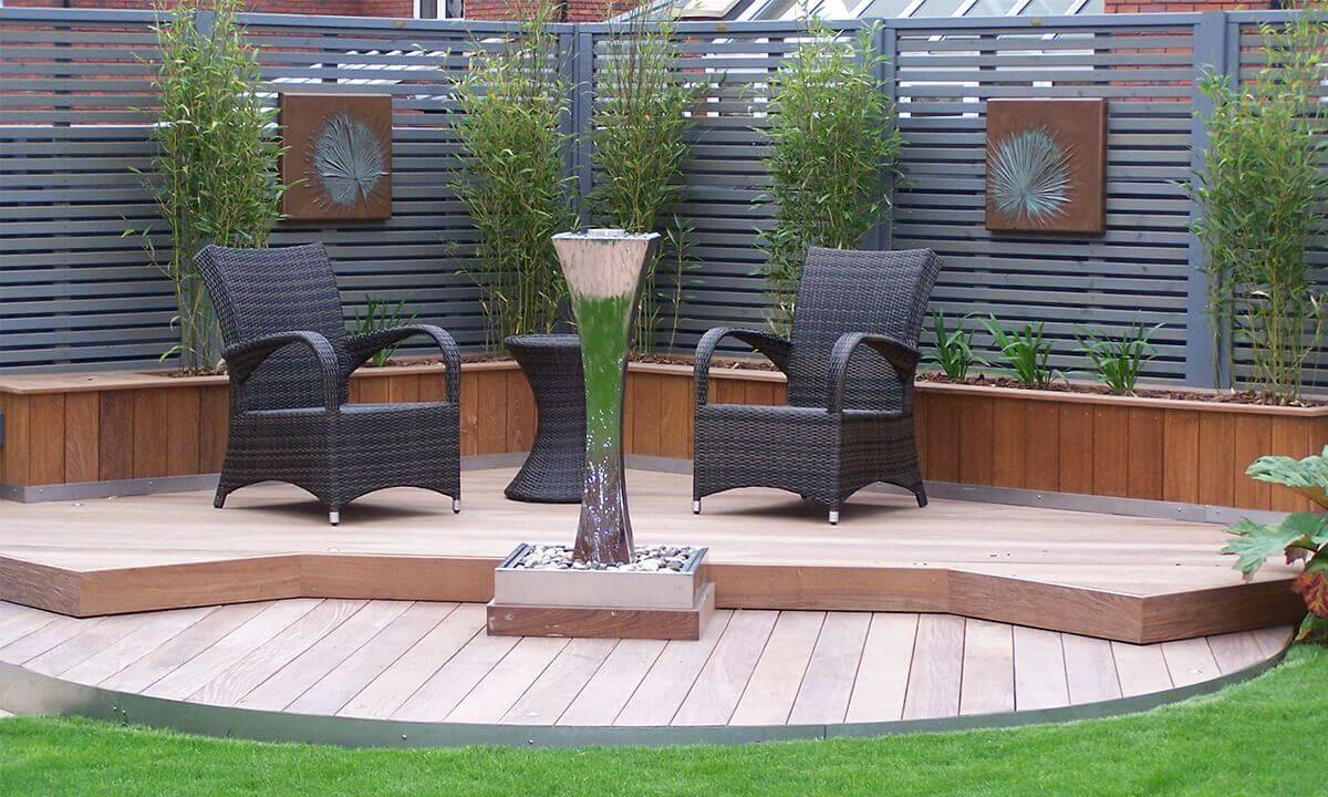 Outdoor seating area with decking