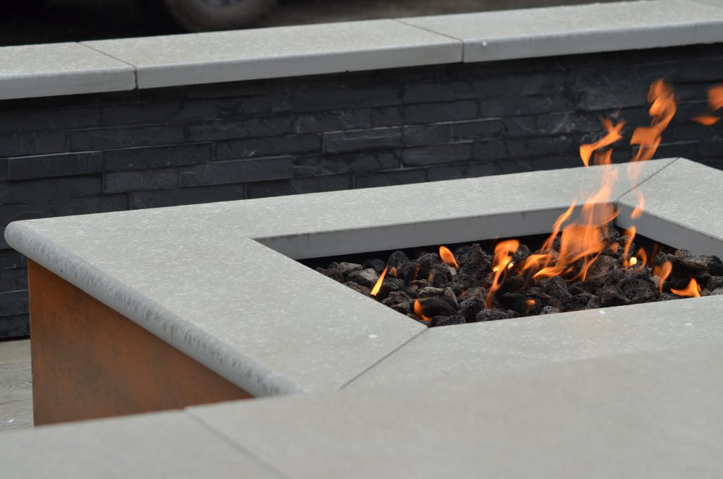 Firepit feature